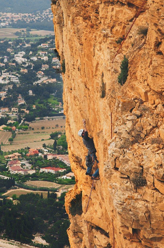 france-climbing-full.jpg